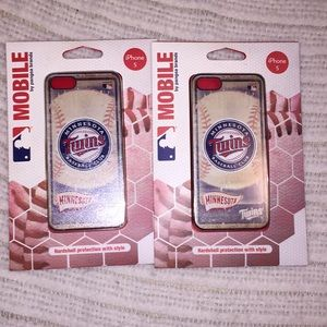 NIP IPHONE 5 TWINS COLLECTIBLE CASES